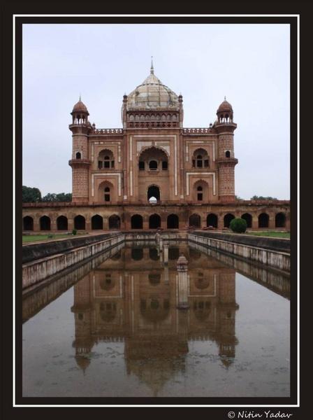 Safdarganj Tomb, New Delhi by nitinhopeindia