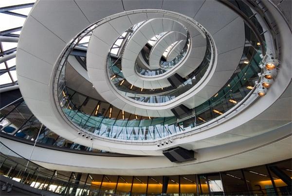 Spiral Ramp by CanaryWharf