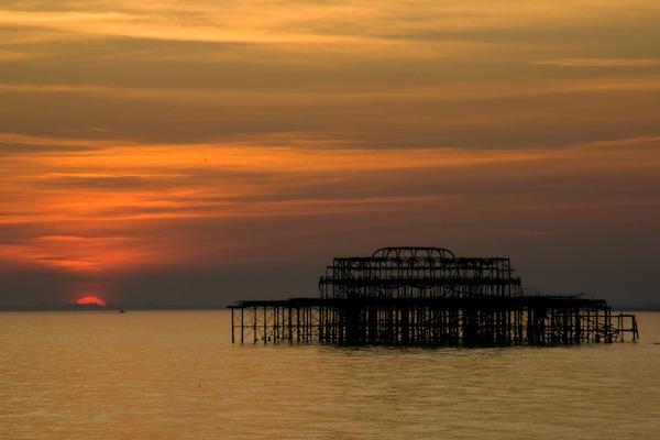 Pier at sunset by RSaraiva