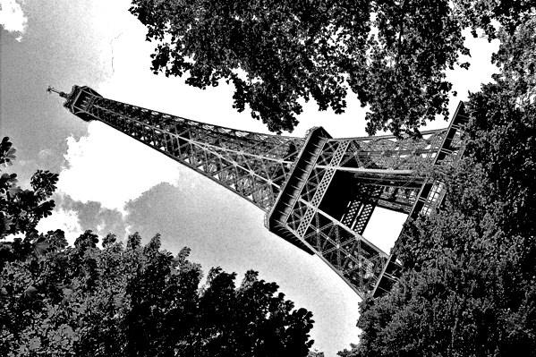 B+W Tour Eiffel by RuthTimms