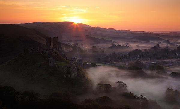 Corfe Castle by chrisfroud