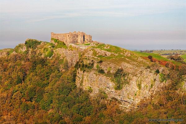 Carreg Cennen Castle by dasantillo