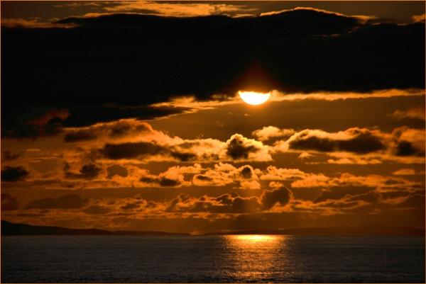 Goodnight Sun by Moj_o