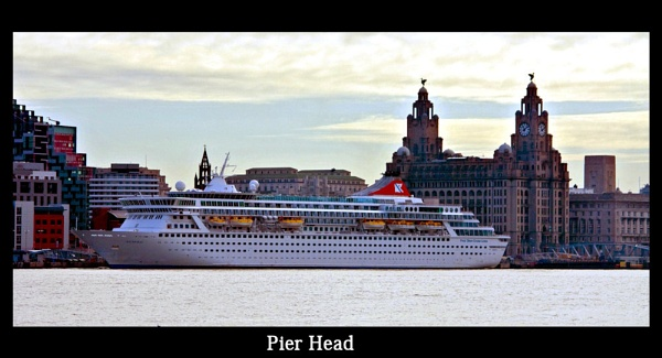 Pier Head by peterboyce