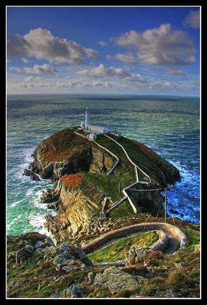South Stack Lighthouse by urdygurdy