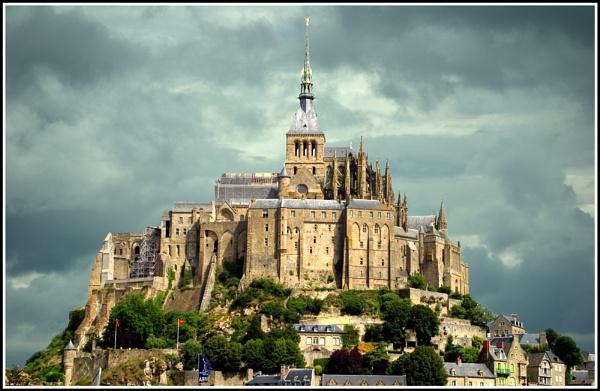 Mont-Saint-Michel by Chrism8