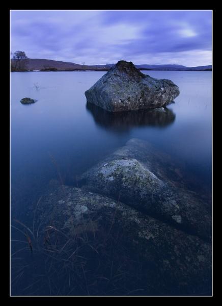 Loch Nah Achlasie Rocks by Boagman65