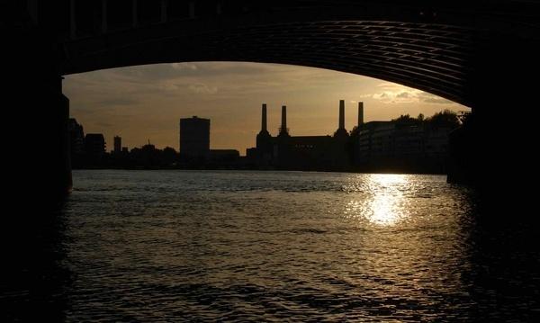 Battersea power station london by dickbulch
