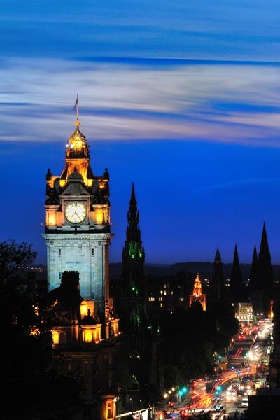 Edinburgh dusk by domhnall