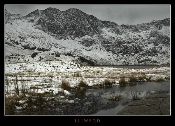 LLiwedd Snowdonia by Dotrob