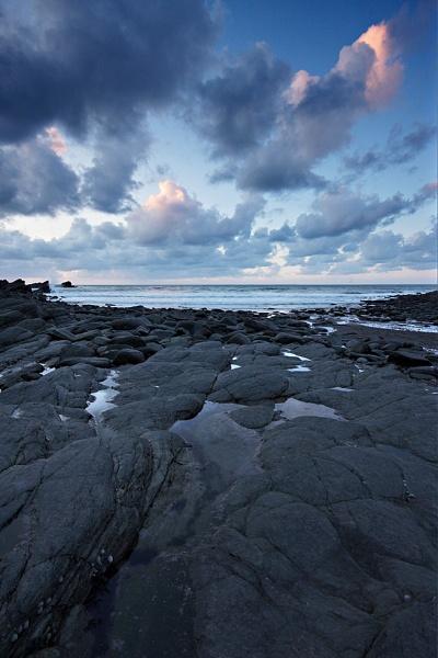 Twighlight Rocks by kennyoak