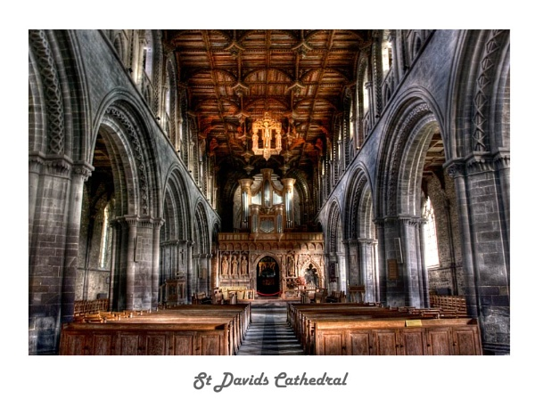 St Davids Cathedral by Fearniespurs
