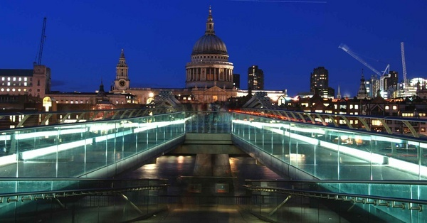 St Pauls Cathedral by dickbulch
