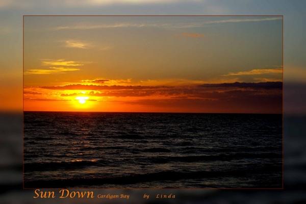 Sun Down Cardigan Bay by Mynett