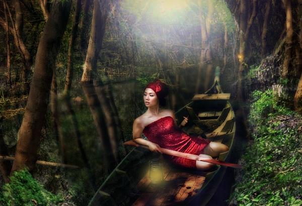 Swamp Beauty by rolandiapari