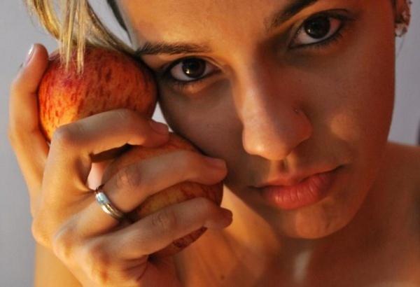 Apple (forbiden?) by crispf