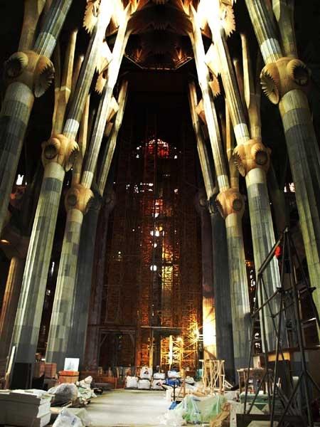 Th Segrada Familia by SophieAnderson