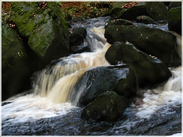 Padley gorge again by ChristineLaw