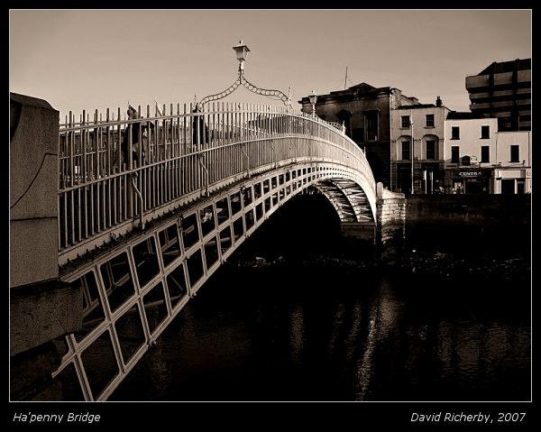 Ha\'penny Bridge by DRicherby