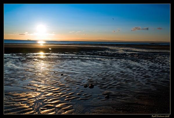 Kirkcaldy Sunrise by RoddBC