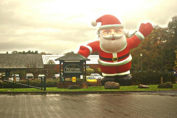 Santa on gaurd by crobncarol