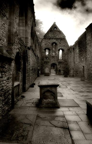 Priory Tombs by pauldiver