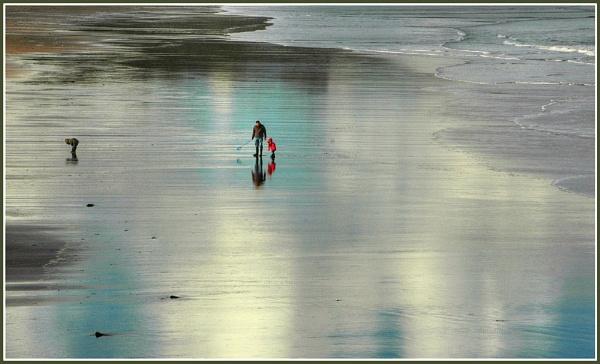 Beachcombers by MickyMc
