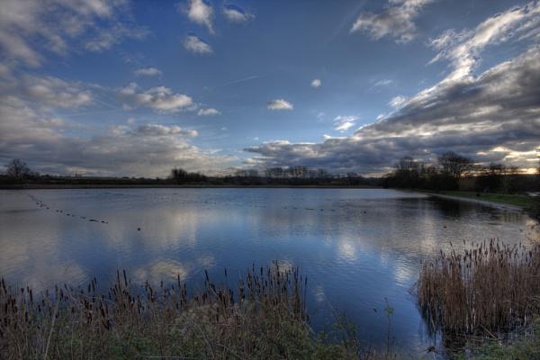 Marsworth Reservoir by PaulaLey