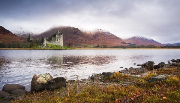 Kilchurn Castle In The Rain by rowarrior