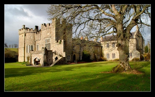 Featherstone Castle by jdenman