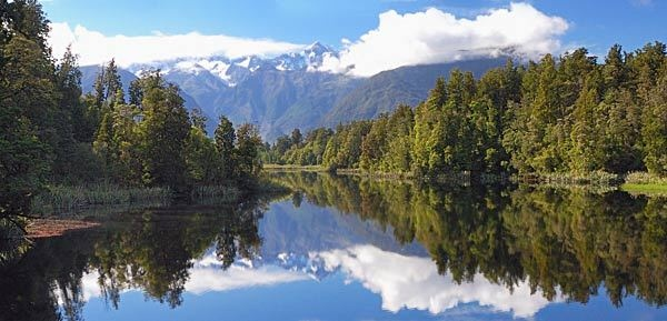 Mirror Lake in NZ by witspix