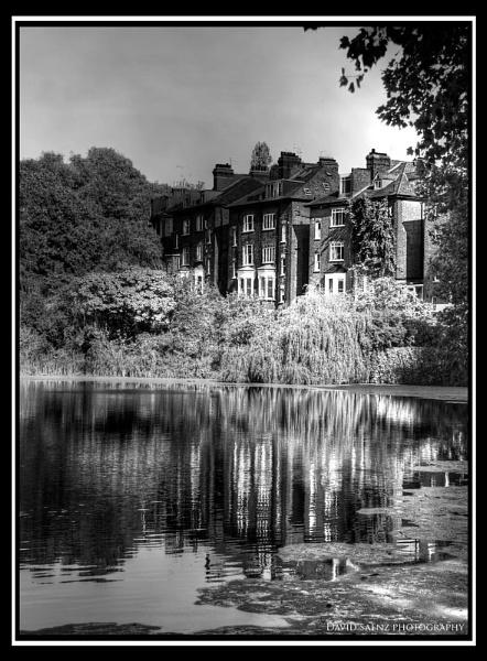 A house by the lake by davidsaenzchan