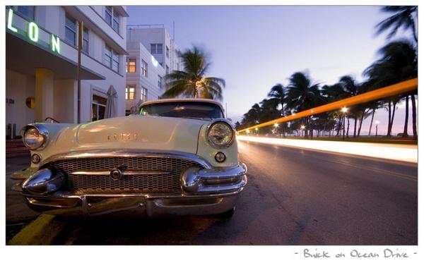 Buick on Ocean Drive by lloydee