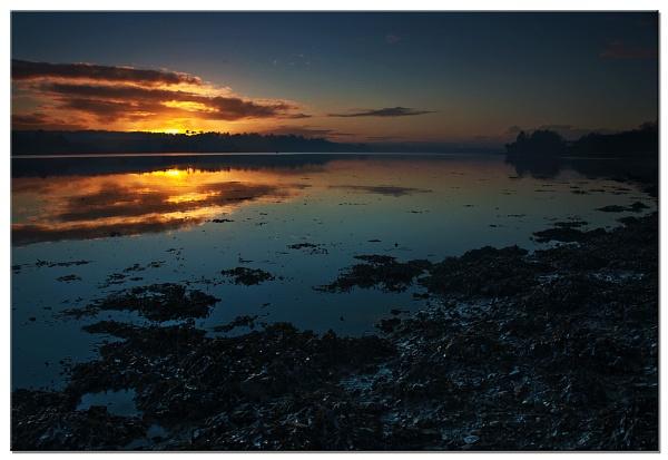 Flow Point Sunset by RockArea