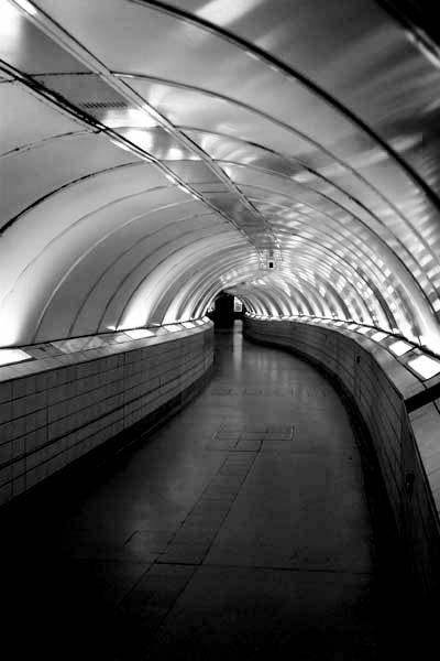 White Tunnel by EeeZeeLee