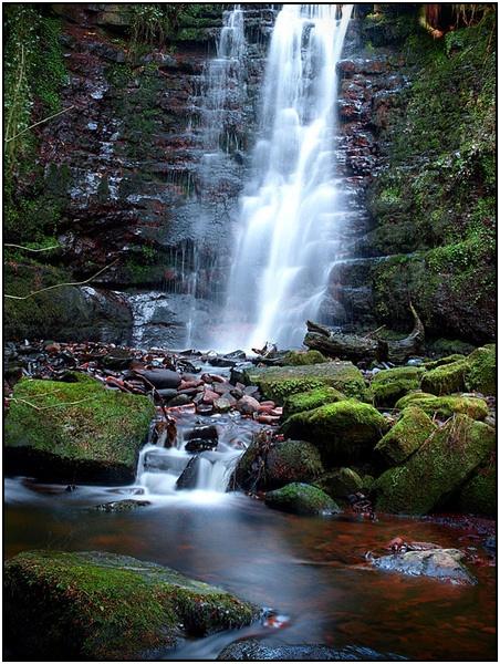 Blaen-y-Glyn Falls by ringyneck