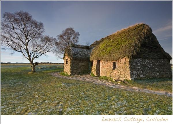 Leanach Cottage, Culloden by heffalump