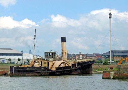 Old paddle steamer by xperian