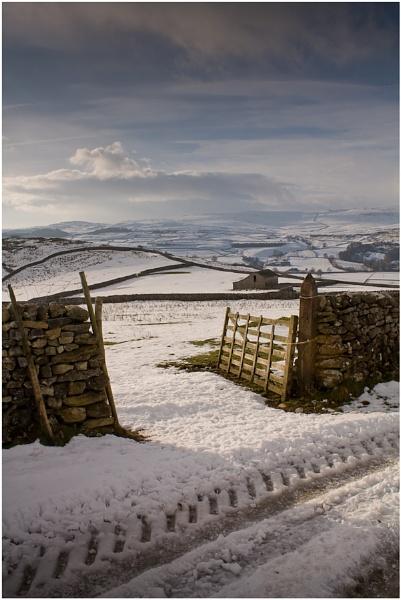 wharfedale winter by paulrankin