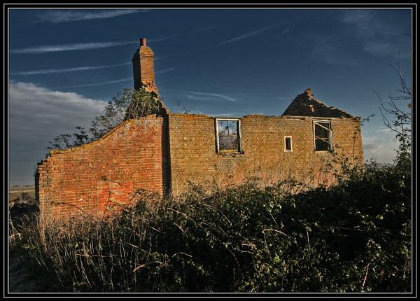 Derelict Cottage by fentiger