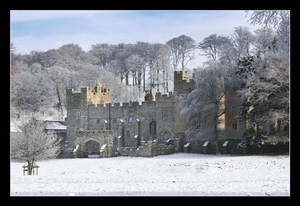 Featherstone Castle by danbrann