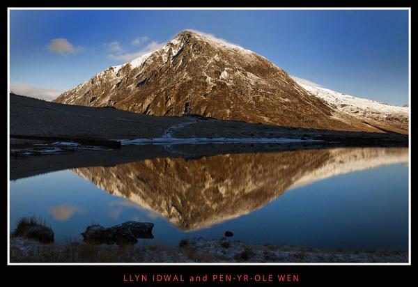 Llyn Idwal & Pen-yr-Ole Wen, Snowdonia. by Dotrob