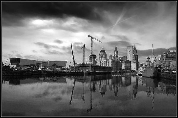 Albert Dock 2 by Anthony