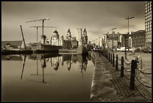 Albert Dock 3 by Anthony