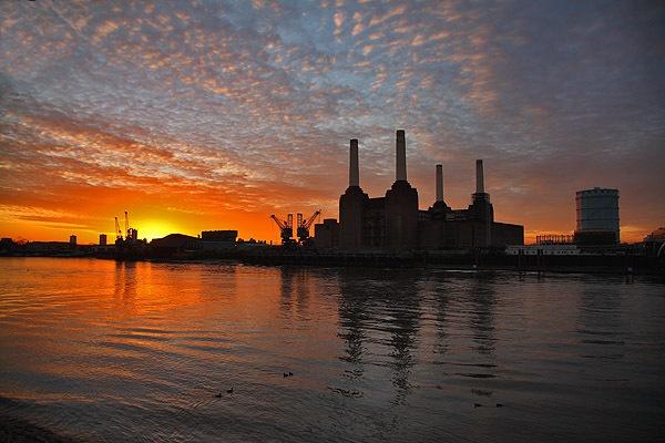 Battersea dawn by bobsungod