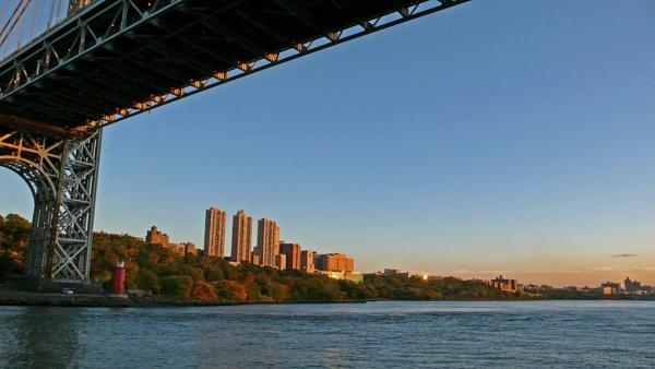Bridge to Manhattan by navigatornick