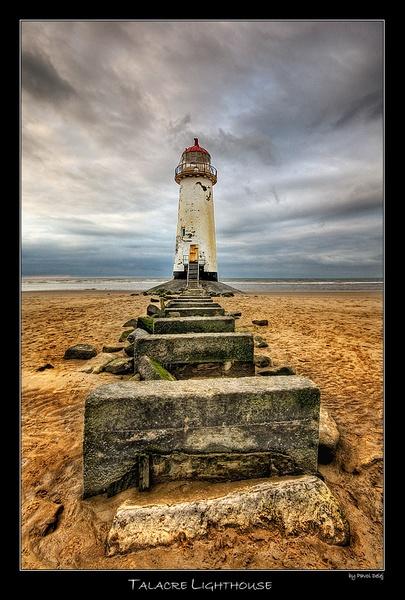 Talacre Lighthouse by d3looo