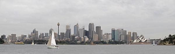 Skyline of Sydney by olafo