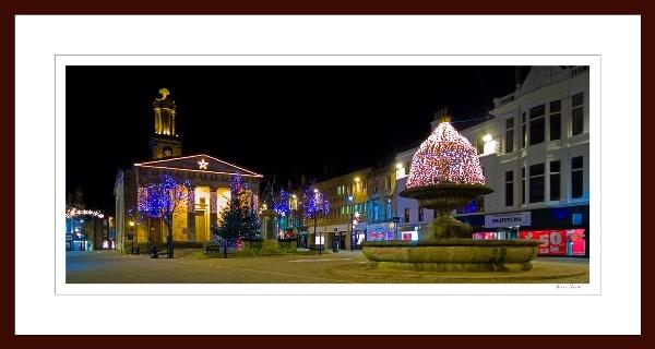 ELGIN - CHRISTMAS DAY 2008 by JASPERIMAGE
