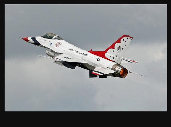 Thunderbird F16 by crapsnap